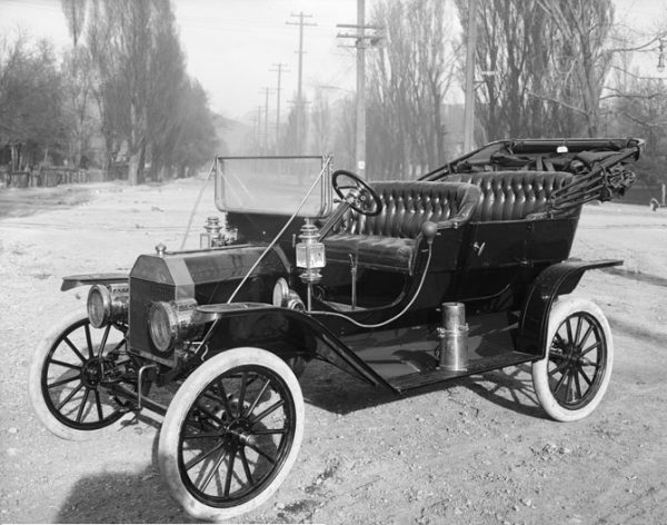 La Ford T, première voiture de grande série (1910)